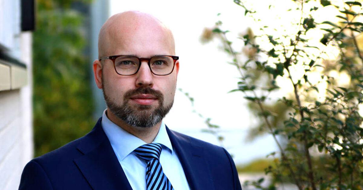 Suomalaisen koodin edistäjä -palkinto THL:n Aleksi Yrttiaholle ja koronavilkkutiimille